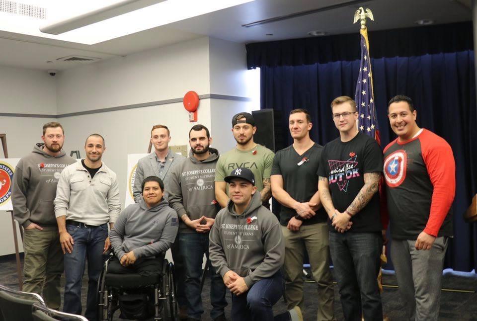 John Davis with other student veterans at SJC Long Island.
